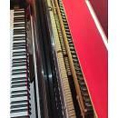 Pianoforte verticale colore nero lucido