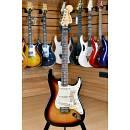 Fender Deluxe Roadhouse Stratocaster Rosewood Fingerboard 3 Color Sunburst