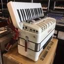 Roland FR3X White ( svendita 1500,00 valido al 7.5.2021 fino 20.5.2021 )