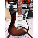 FENDER PLAYER SERIES STRATOCASTER PAU FERRO FINGERBOARD 3 COLOR SUNBURST