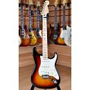 Fender American Professional 2017 Stratocaster Maple Fingerboard 3 Color Sunburst