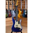 Fender American ULTRA Stratocaster HSS Maple Neck Cobra Blue