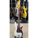 SQUIER Classic Vibe '60s Precision Bass Olympic White