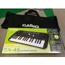 CASIO SA-46 Tastiera con 32 Minitasti con Borsa