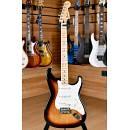 Fender Mexico Standard Stratocaster Maple Fingerboard Sunburst