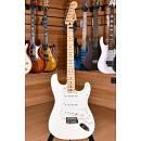 Fender Mexico Standard Stratocaster Maple Neck Arctic White 2011