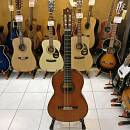 Chitarra classica Yamaha G-240 (usato negozio)