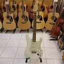 Chitarra elettrica Fender Stratocaster assemblata (Usato negozio)