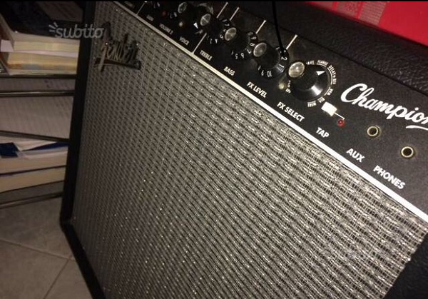 FENDER CHAMPION 40 AMPLIFICATORE CON FOOTSWITCH - #5875717